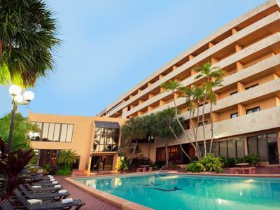 Regency Hotel Miami 400x300