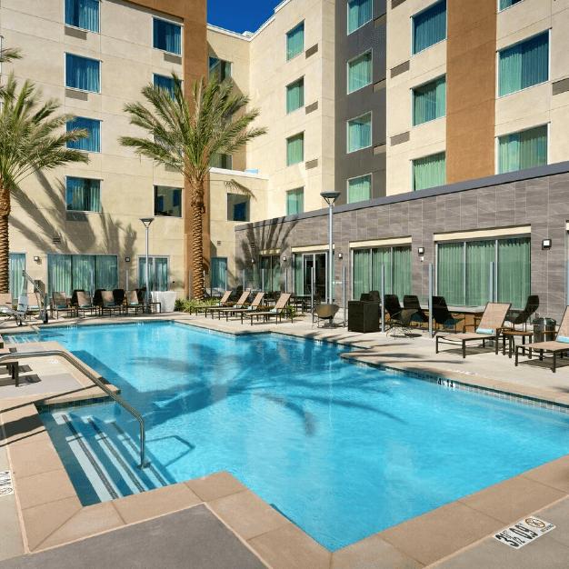 Area Piscina Hotel Courtyard by Marriott Los Angeles LAX/Hawthorne - Similar