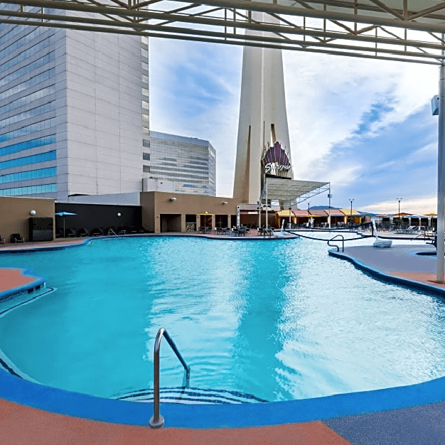 Area Piscina Hotel Stratosphere Las Vegas - Similar